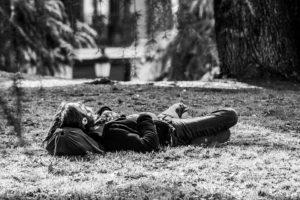 Спящий человек на свободе